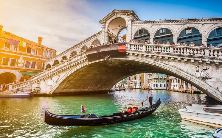 Travel Agent Booking Bonus For Italy